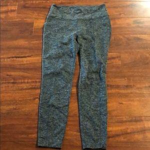 ATHLETA herringbone print 7/8 leggings